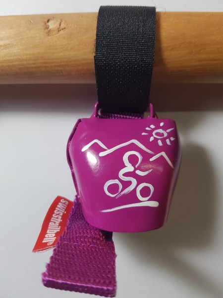 swisstrailbell® fresh Colour-Edition: dark PINK mit weißem Mountainbiker, pinkes Band